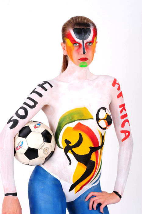 2_body_painting_world_cup_2010