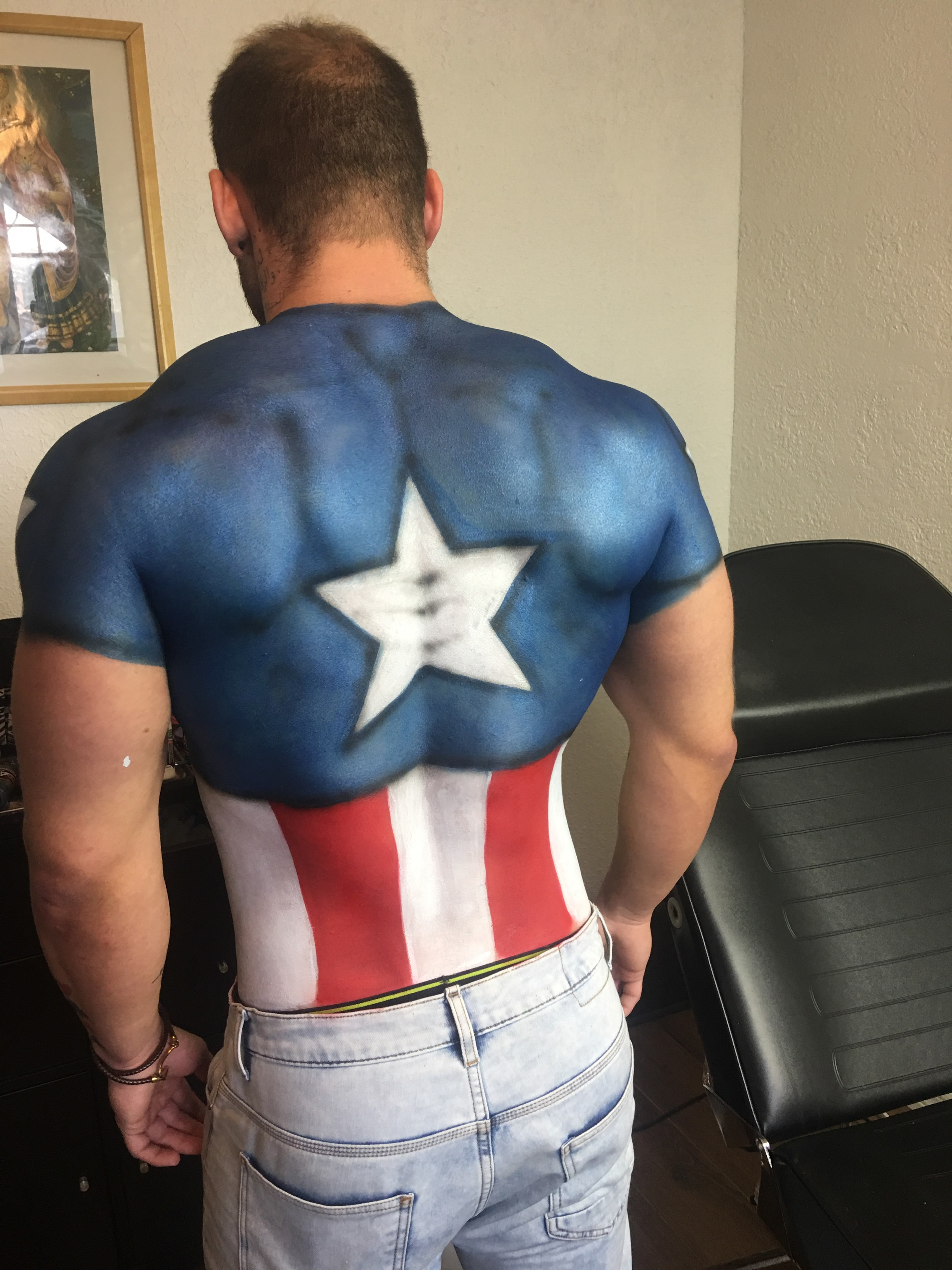 captain_america_body_painting
