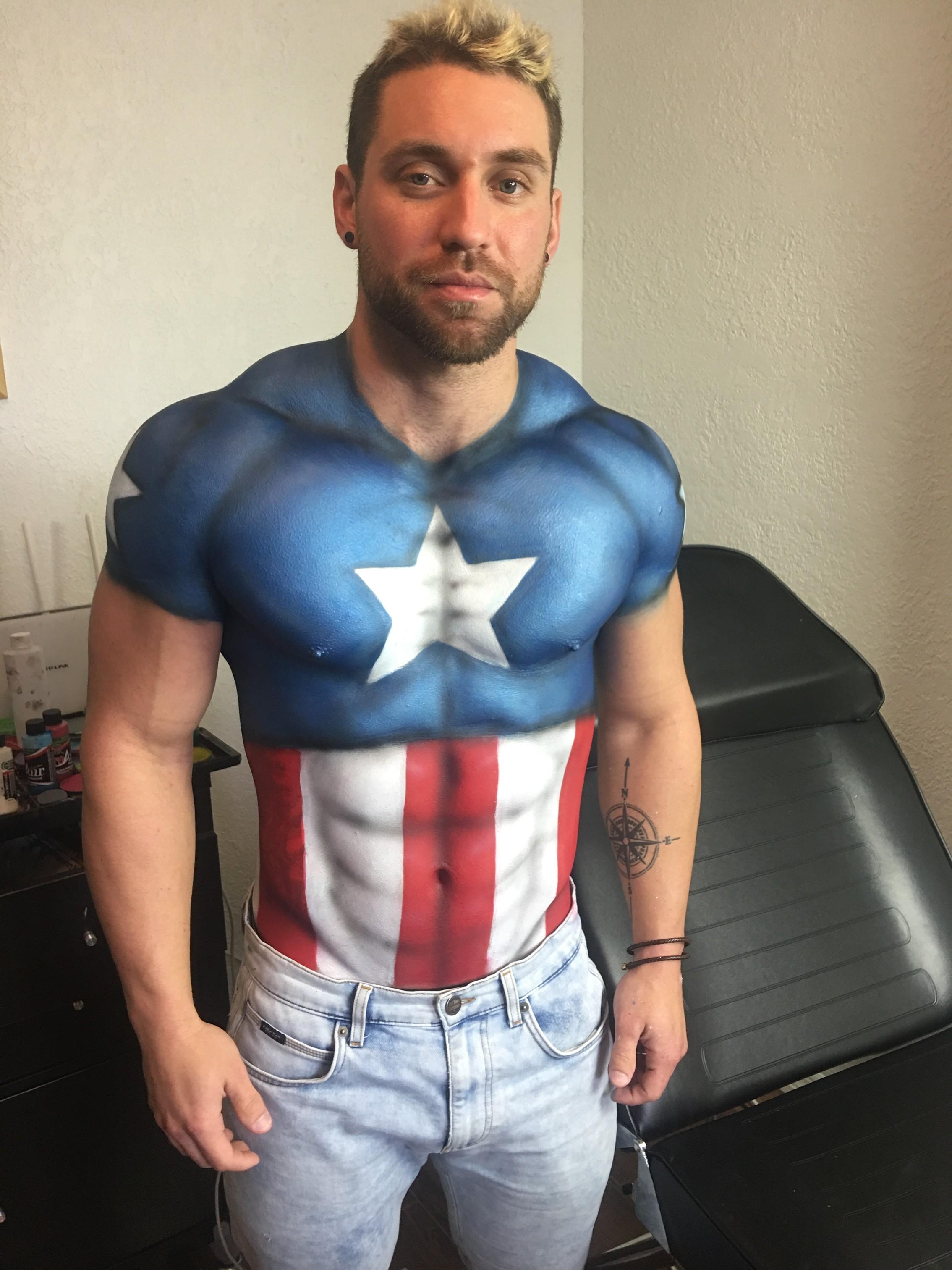captain_america_bodypaint_