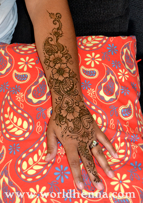 arm_henna_tattoo