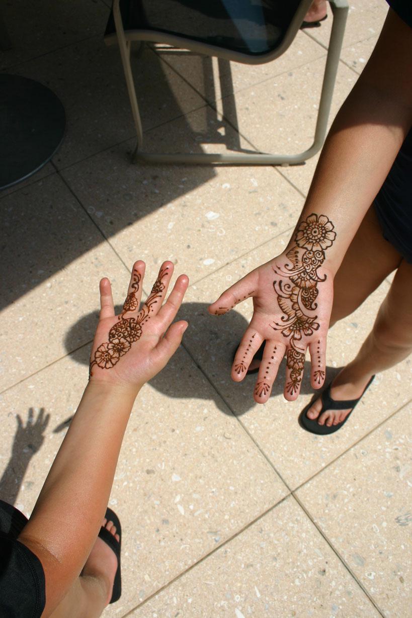 henna-hand-design-13