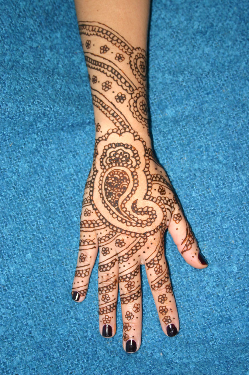 Mehndi Designs For Upper Hands : Mehendi design upper hand makedes