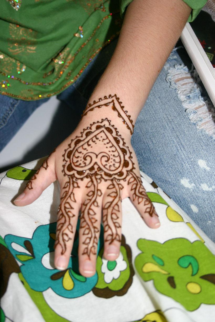 henna-hand-design-16