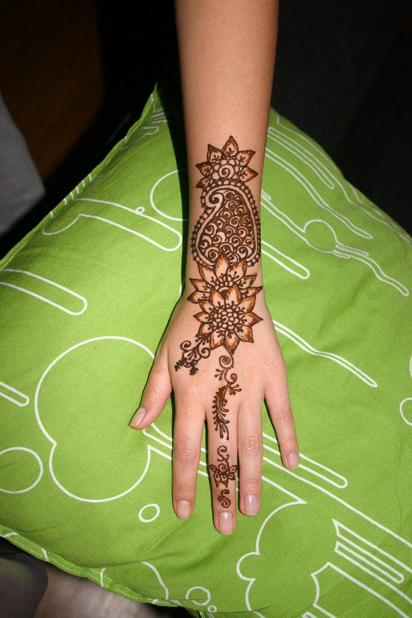 henna-hand-design-17