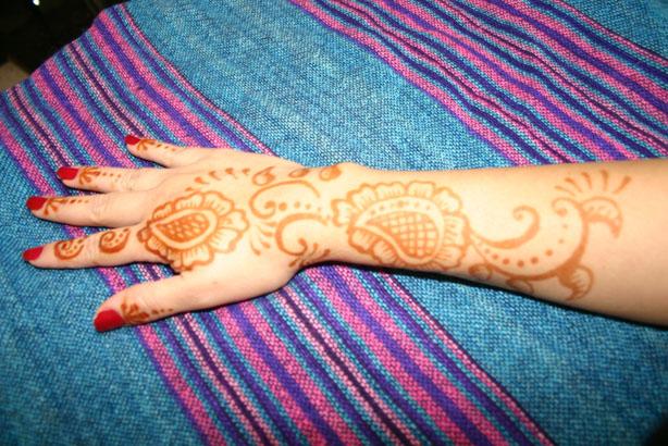 henna-hand-design-2