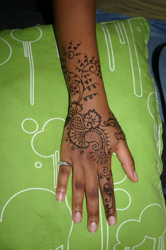 henna-hand-design-22