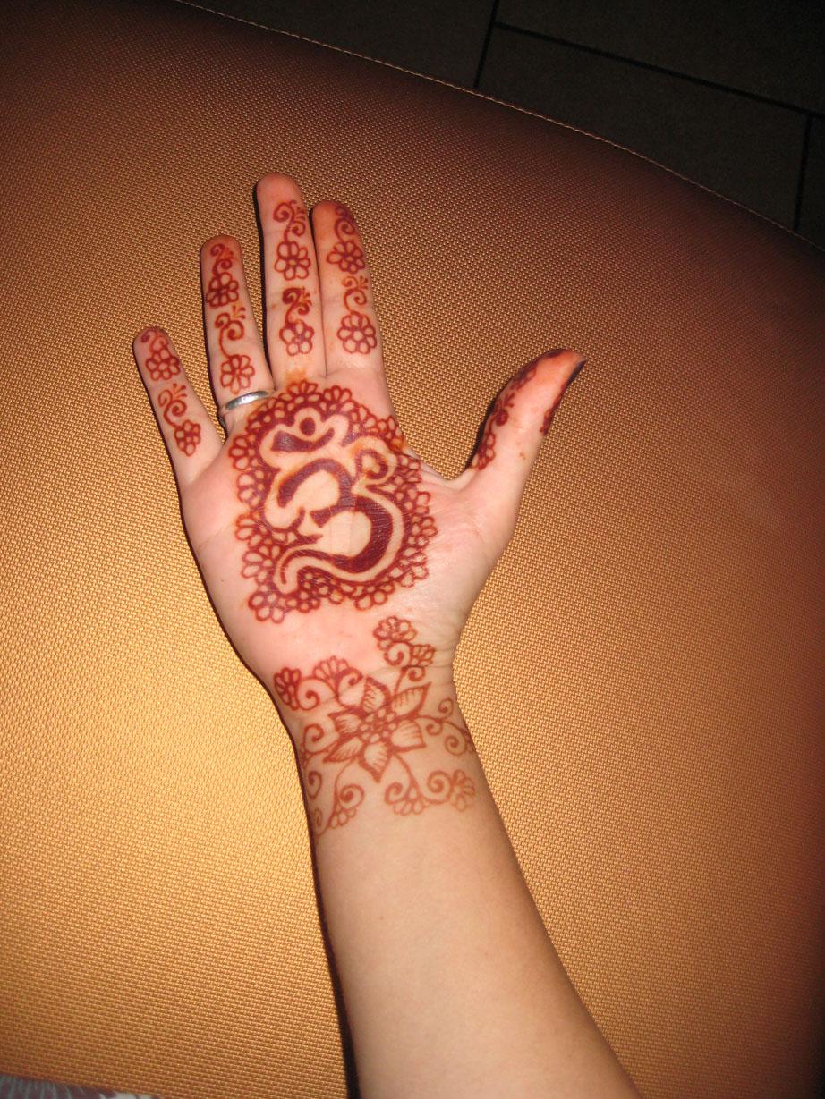 henna-hand-design-3