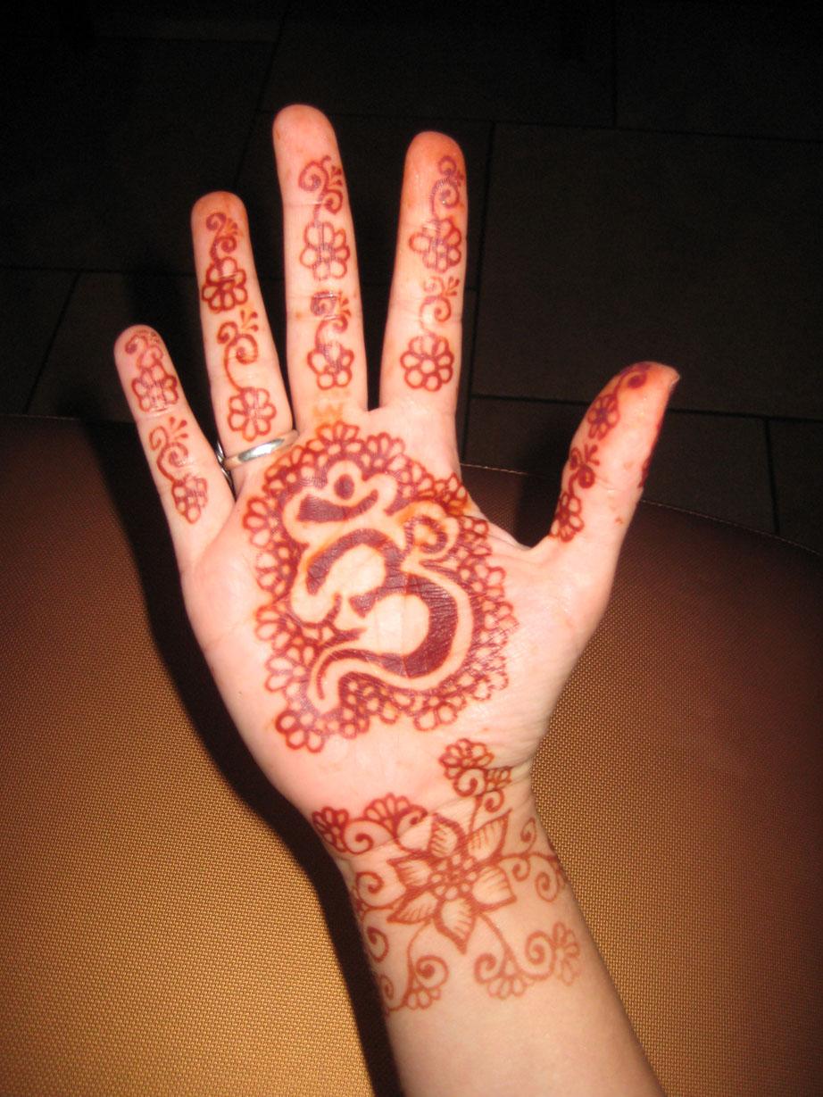 henna-hand-design-4