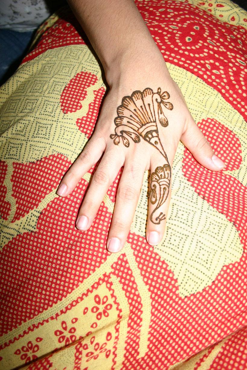 henna-hand-design-5