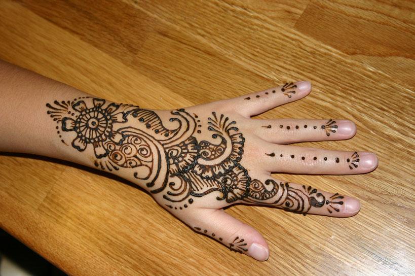 henna-hand-design-6
