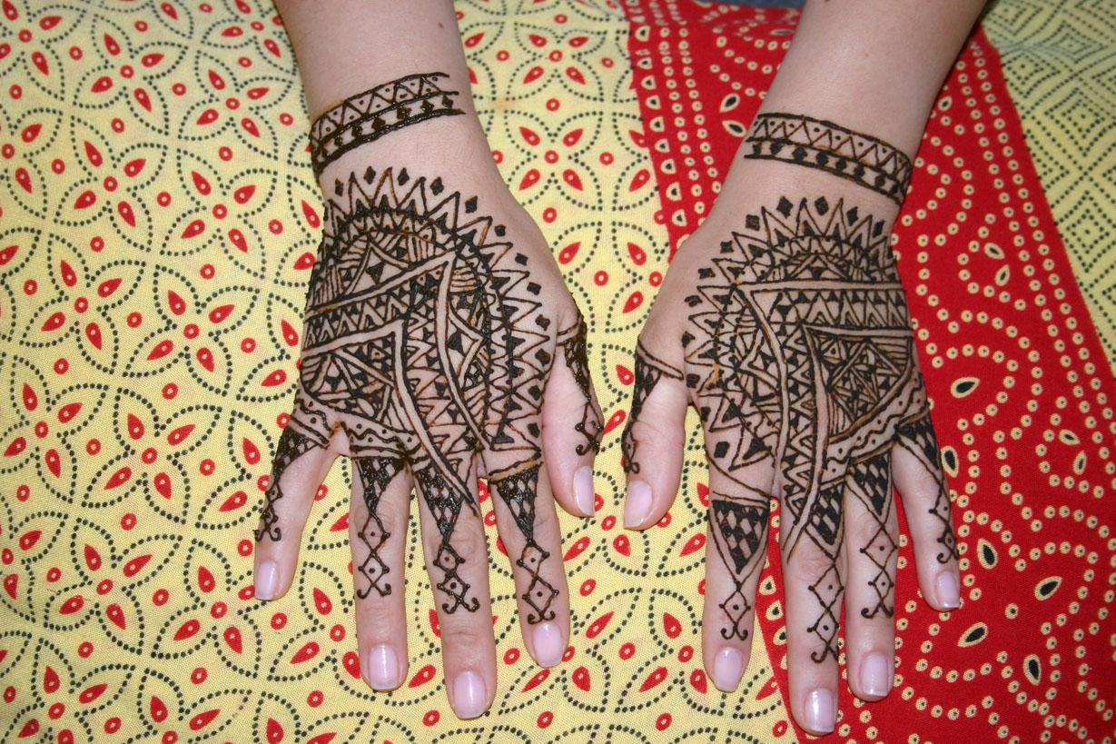 henna-hand-design-9
