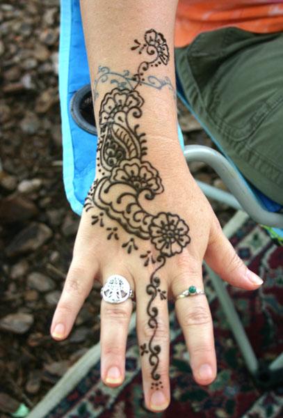 henna_hand