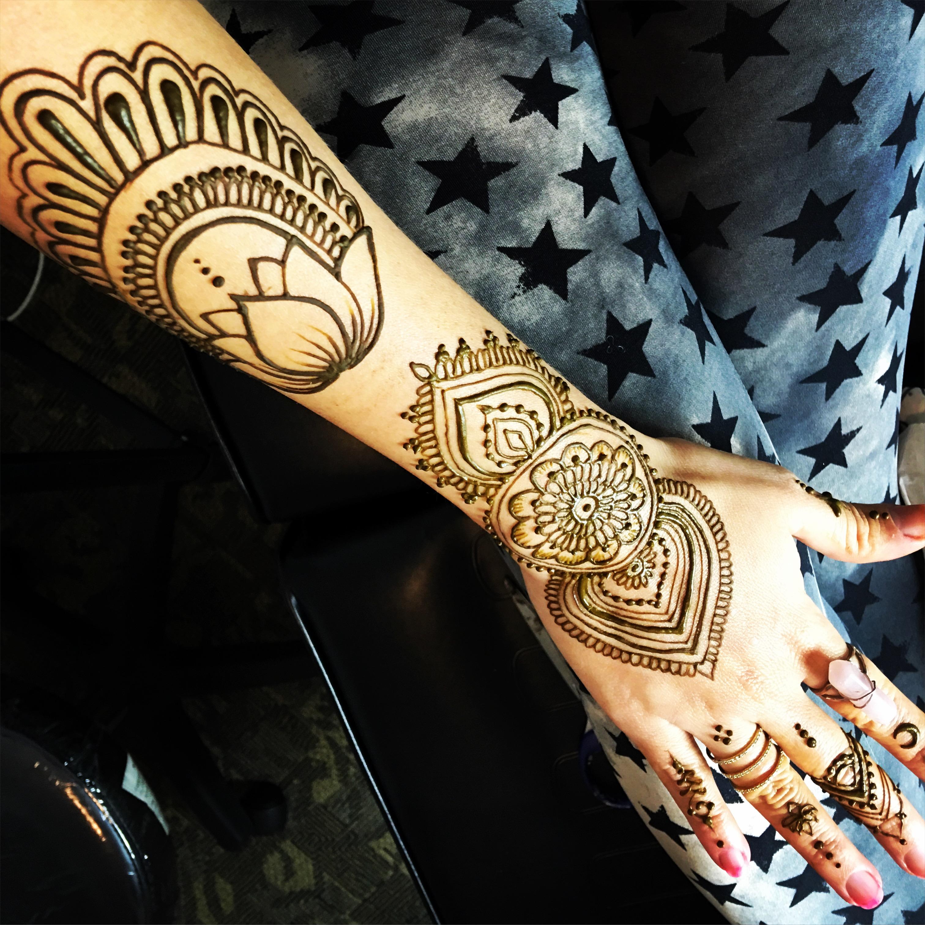 tattoo_henna_style