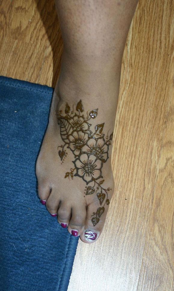 henna-feet-design-7